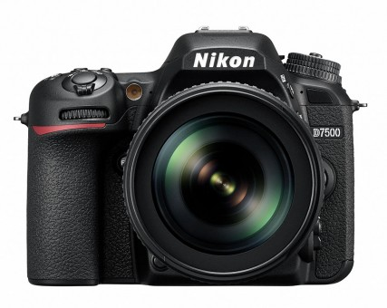 NIKON D7500 Kit AFS DX 18-105mm 3.5-5.6 ED VR