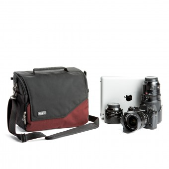 THINK TANK MIRRORLESS MOVER i30 DEEP RED